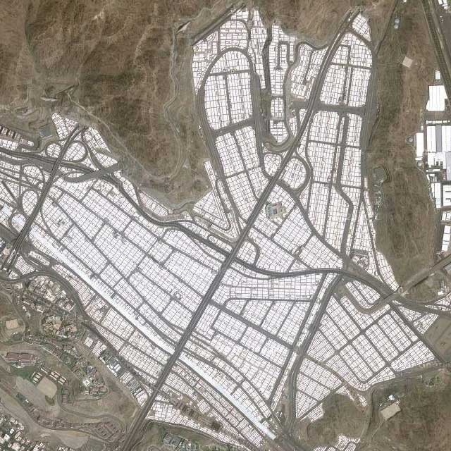 Maps satellite photo of Mina Tent City, Saudi Arabia  detail level 2
